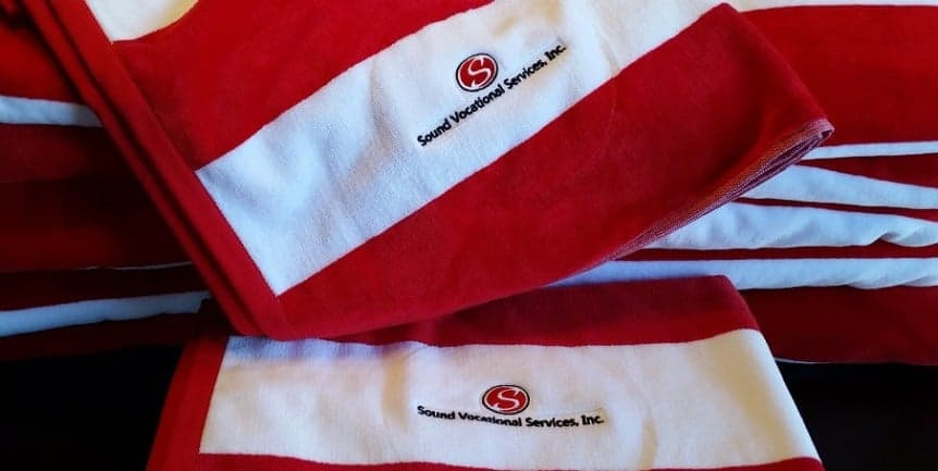 435419caf67e Embroidered towels and robes